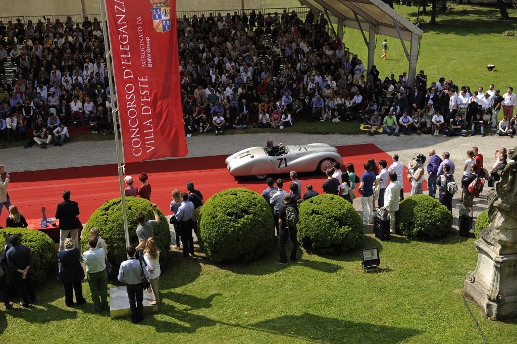 5.000 Gäste verfolgten 2010 den Schönheitswettbewerb der Luxus-Schlitten