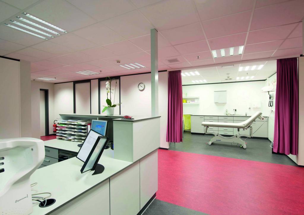 An jedem Produktionstag steht das Gesundheitszentrum den 2.200 Mitarbeitern von 6 bis 22 Uhr offen.
