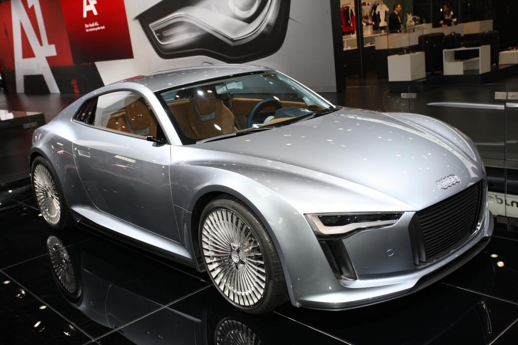 Audi E-tron.