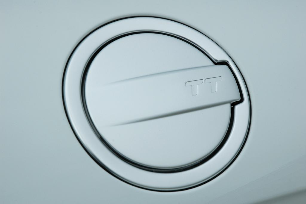 Audi TT: Blick auf den Tankdeckel an der Seite.
