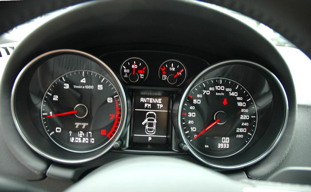 Audi TT: Blick auf die Rundinstrumentierung.