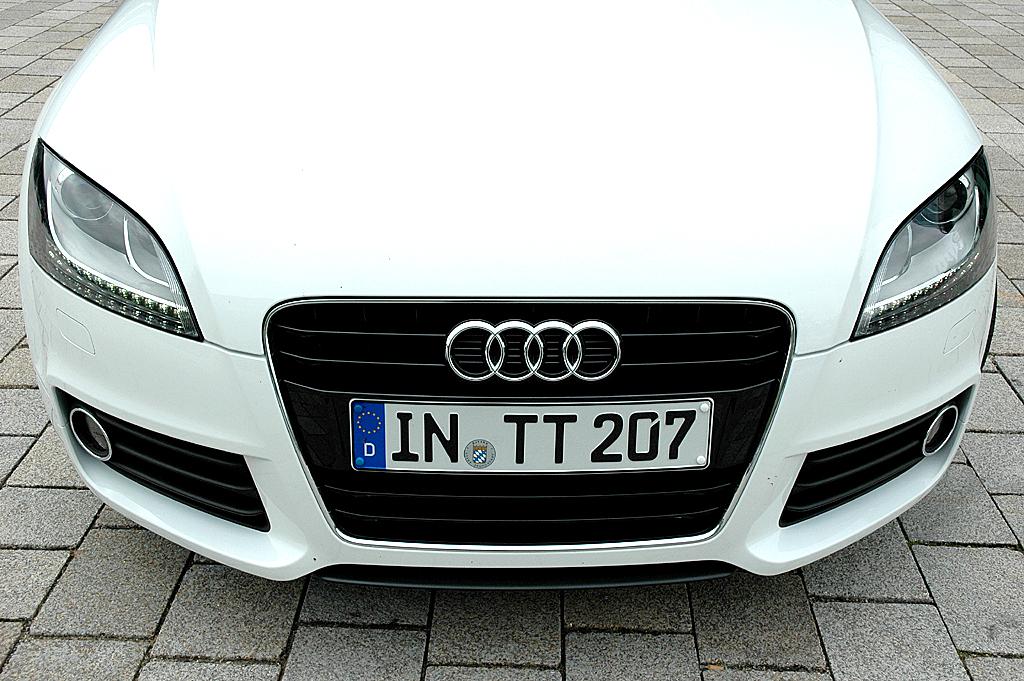 Audi TT: Im Design ist der Kompaktsportler eher behutsam überarbeitet.