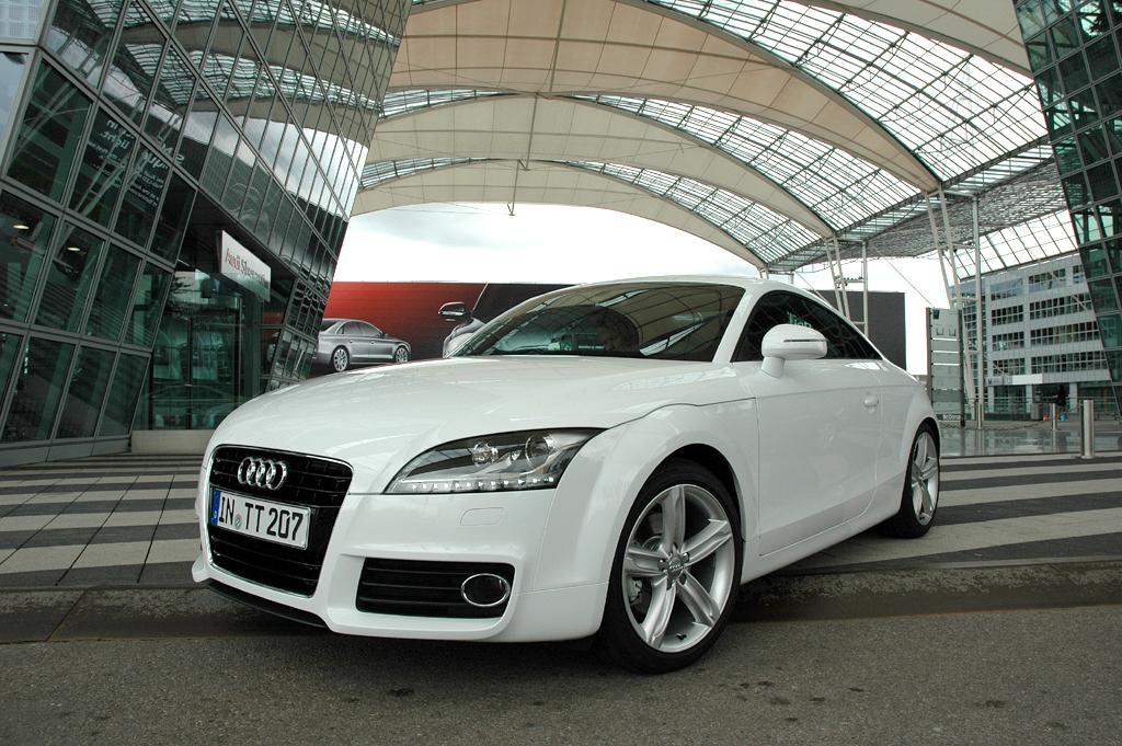 Audi TT, hier als neues 2,0-Liter-Benzindirekteinspritzer-Coupé mit 211 PS.
