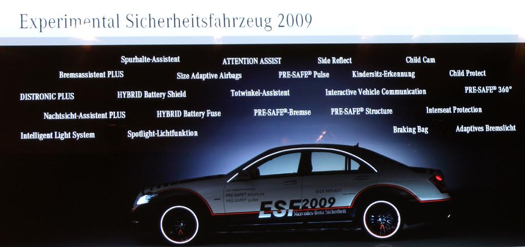 Automatisiertes Fahren: Das Experimental-Sicherheitsfahrzeug 2009 setzt sich aus vielen Einzelkomponenten zusammen.