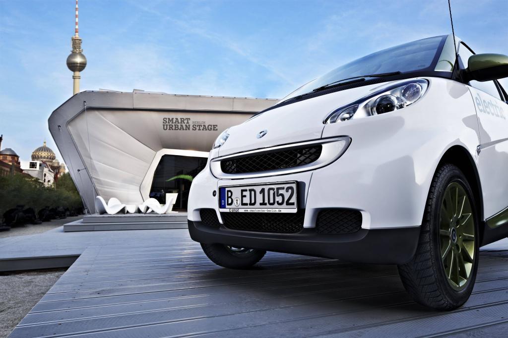 Berliner Technikschau: Elektromobilität am Brandenburger Tor