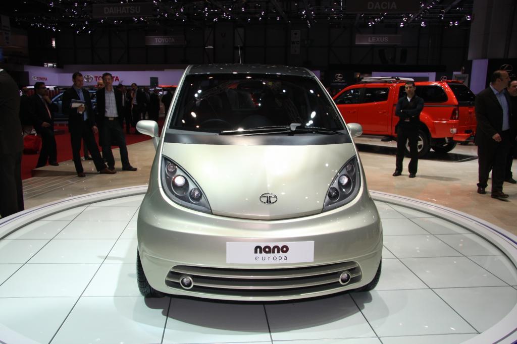 Das billigste indische Auto, der Tata Nano, bekommt nun Konkurrenz aus Fernost. Der chinesische Geely IG unterbietet den Preis des indischen Herstelles um ein Vielfaches.