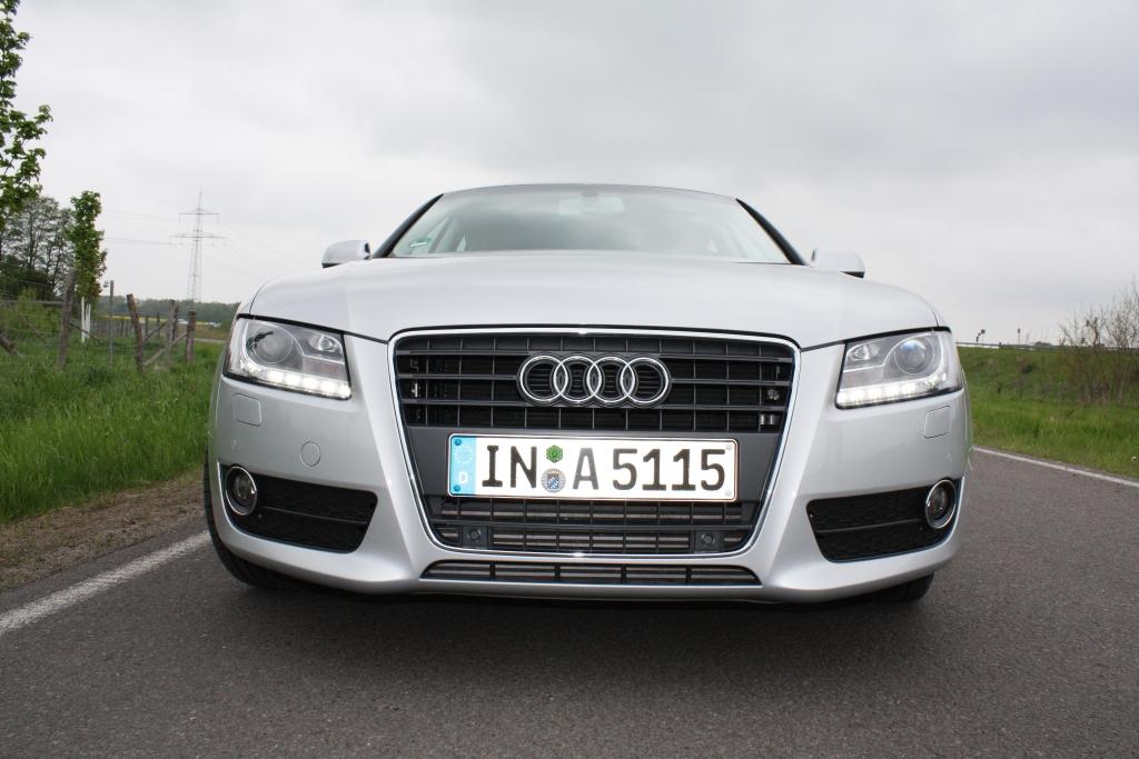Das typische Audi-Gesicht: Single Frame und LED-Tagfahrlicht.