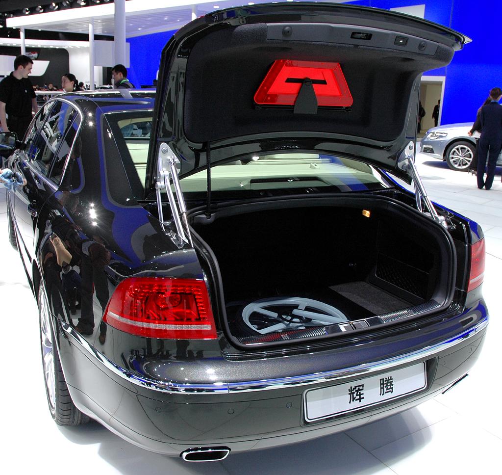 Der Kofferraum bietet viel Platz für viel Gepäck.