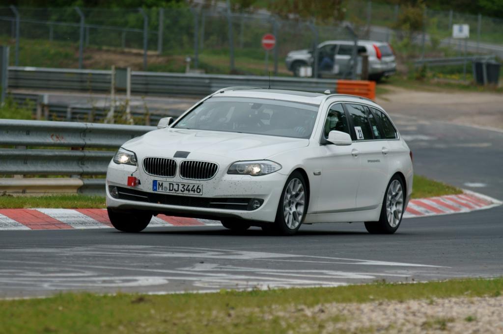 Die Nordschleife als Zeitmaschine: BMW 5 Touring und S-Klasse