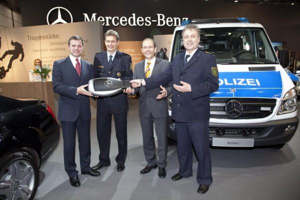 Die Polizei bestellt über 1200 Mercedes-Benz Sprinter