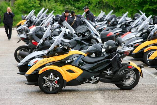 Die europäischen Fans des Spyder Roadster trafen sich