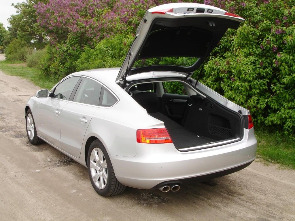 Die große Heckklappe gibt 480 Liter Gepäckraumvolumen frei.