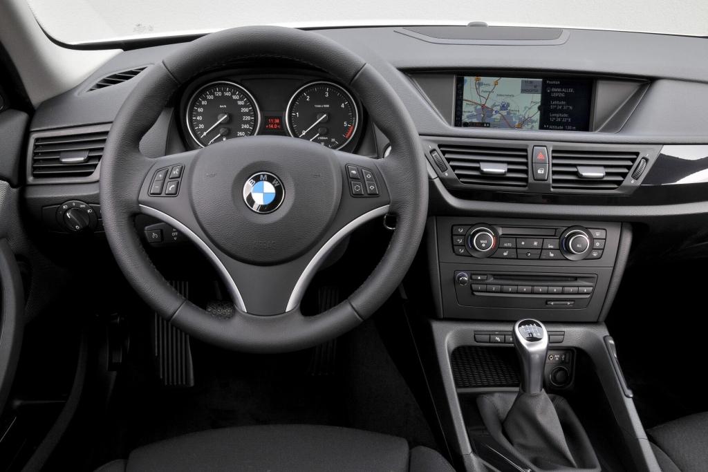 Fahrbericht BMW X1 xDrive 20d: Flaches X