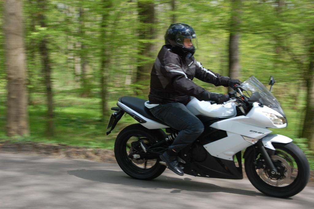 Fahrbericht Kawasaki ER-6f ABS: Allrounder für Einsteiger und Könner
