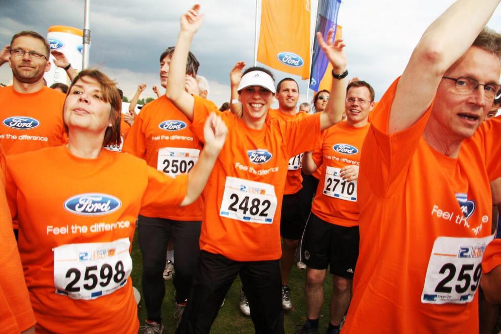 Ford-Mitarbeiter walken, laufen und sammeln Spenden für Diabetes-Aktion