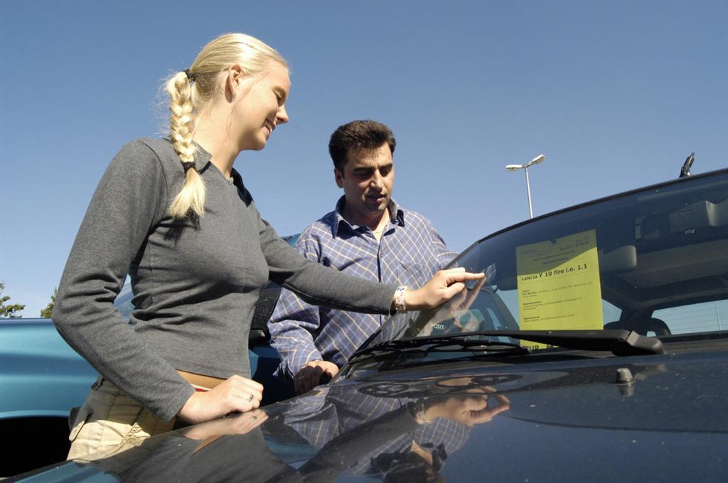 Gebrauchtwagenkauf: Was zu Haftung und Finanzierung zu beachten ist