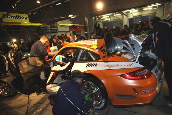 In 24 Stunden Nürburgring rund 15.000 Reifen gewechselt