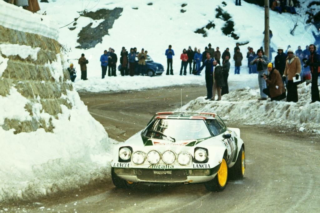 Lancia Stratos bei der Raylle Monte Carlo 1976.