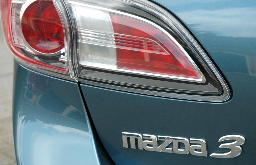 Mazda aktuell: Leuchteinheit hinten mit 3er-Schriftzug.