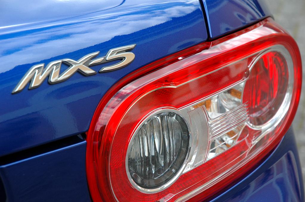 Mazda aktuell: Leuchteinheit hinten mit MX-5-Schriftzug.