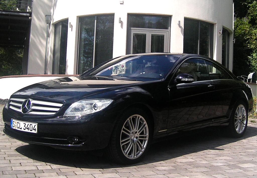 Mercedes Motoren: Im CL-Luxuscoupé, dessen aktualisierte Auflage noch in diesem Jahr an den Start geht, kommt ein ebenfalls effizienterer 435-PS-Achtzylinder-Turbo
