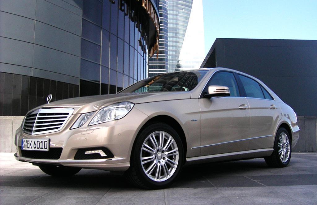 Mercedes Motoren: In der E-Klasse sind im vergangenen Herbst die neuen Vierzylinder-Turbo-Benzindirekteinspritzer eingeführt worden.