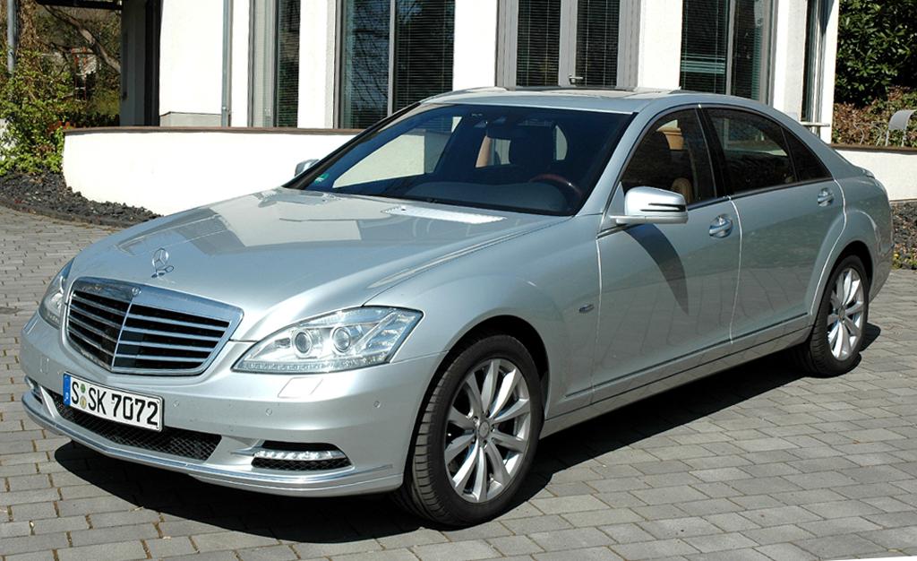 Mercedes S400 Hybrid, hier in der Langversion.