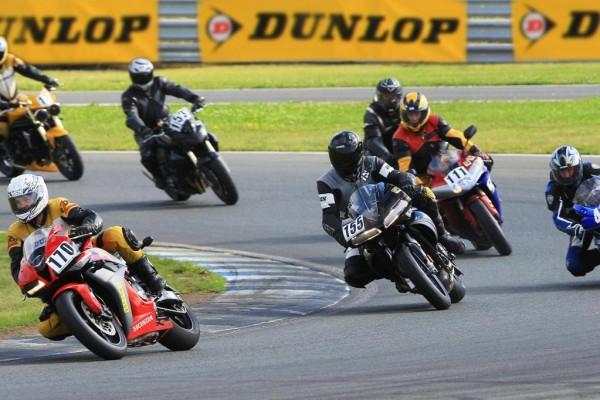 Mit dem Motorrad auf die Rennstrecke