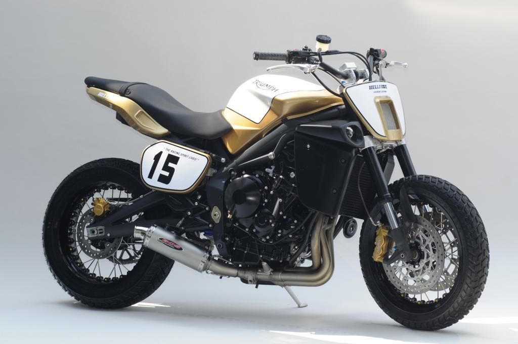 Motorcorner zeigt Triumph Hellfire auf Street Triple-Basis