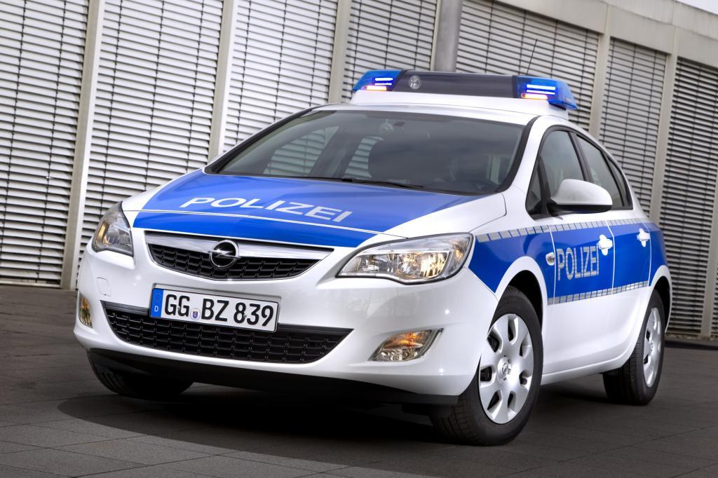 Opel Astra in Polizeiausführung.