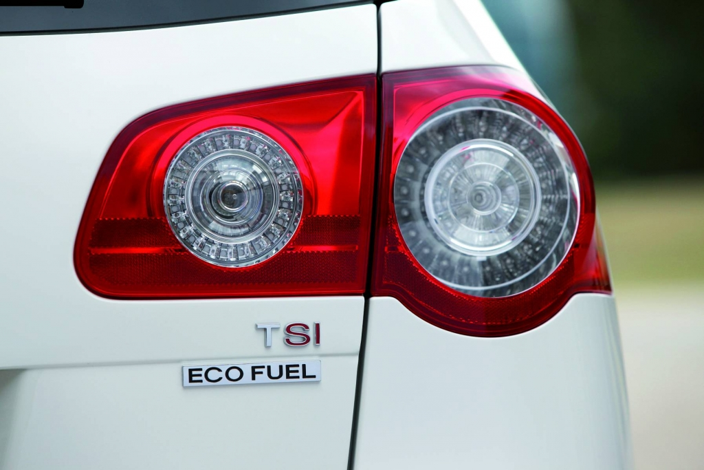 Passat TSI EcoFuel - das sauberste 5-Sterne-Auto im EcoTest.