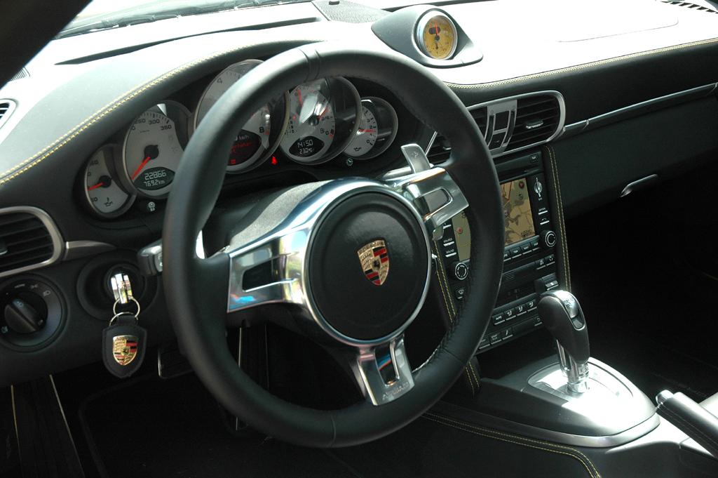 Porsche 911 Turbo: Blick ins Cockpit.