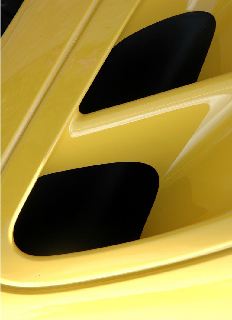 Porsche 911 Turbo: Detailaufnahme von Lufteinlässen an der Seite.