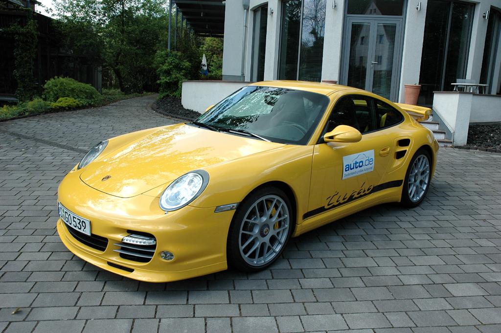 Porsche 911 Turbo, hier als 500 PS starkes Coupé.