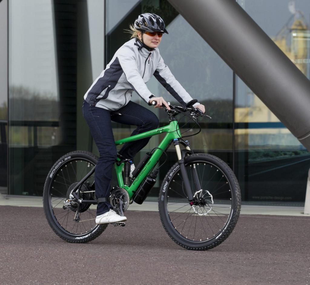 Porsche präsentiert Hybrid-Bike mit iPhone-Steuerung