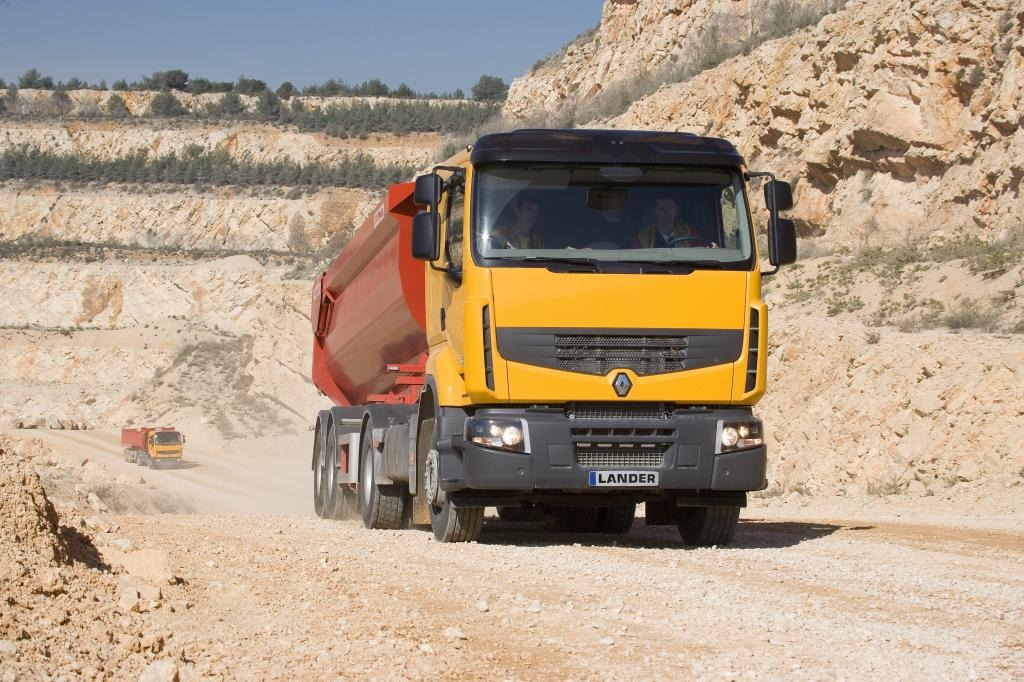 Renault Trucks bietet ''Optitrack'' als Allrad-Alternative