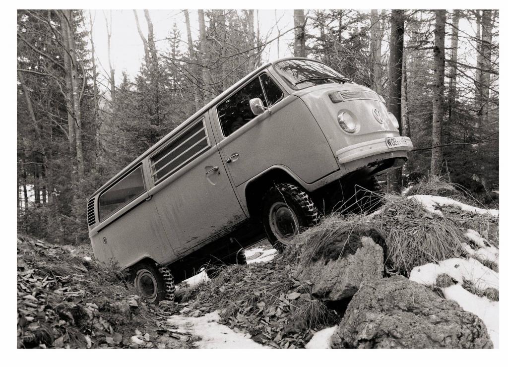 Schon Mitte der 70er-Jahren dient ein T2 als Entwicklungsträger zum allradangetriebenen VW Bus.