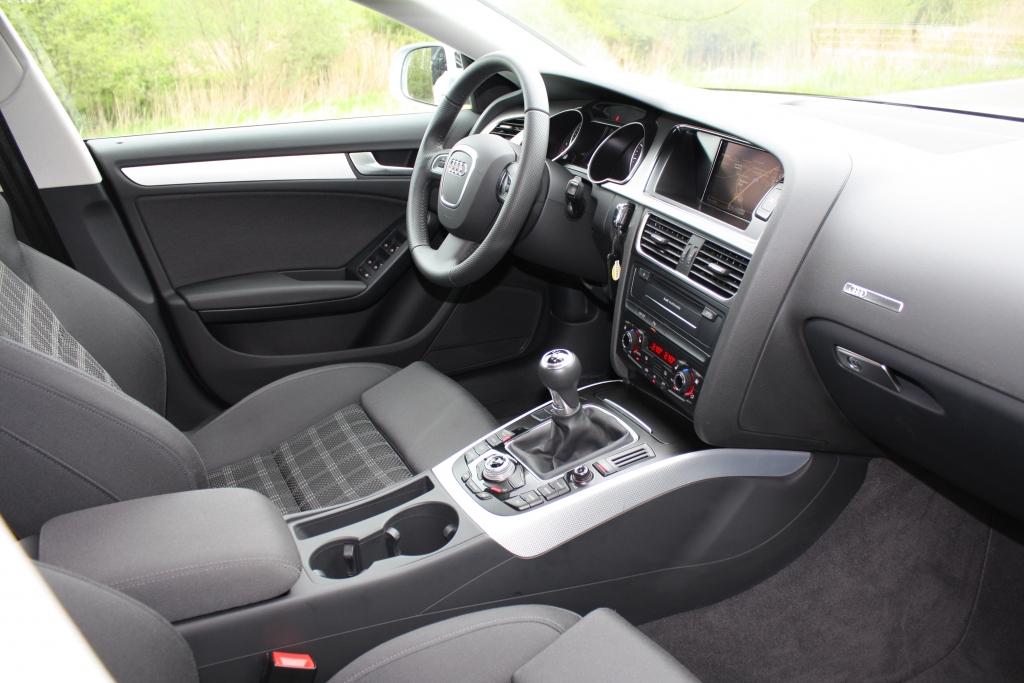 Typisches Audi-Cockpit: einladend, übersichtlich, komfortbetont.