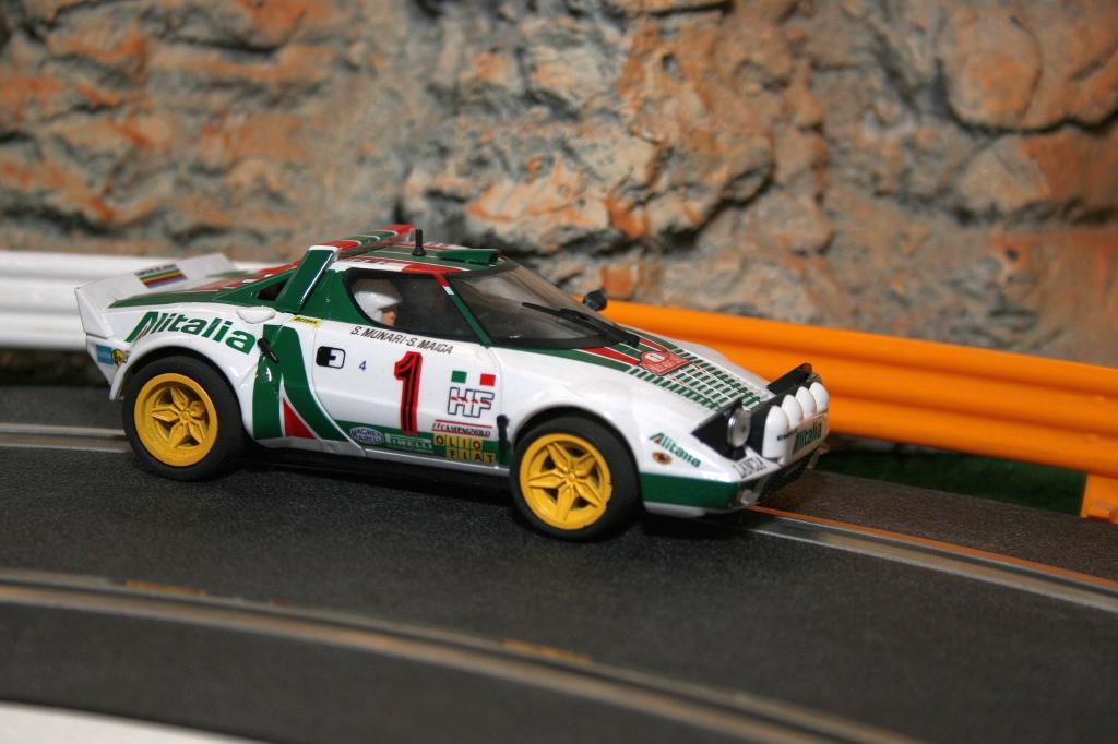 Vom spanischen Hersteller Team Slot gibt es den Lancia Stratos im Maßstab 1:32 für die Automodellrennbahn.
