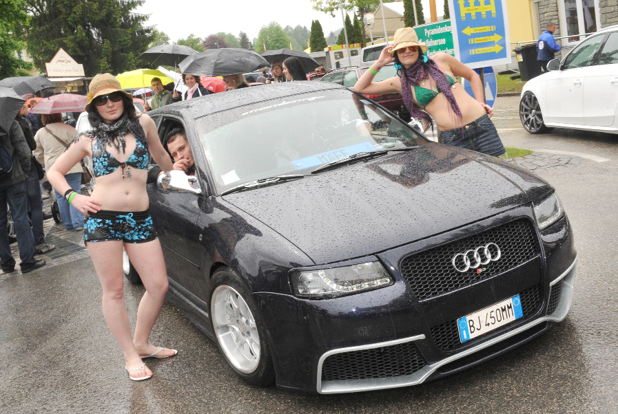 Wörthersee 2010: Der See rief, Fans und Girls kamen