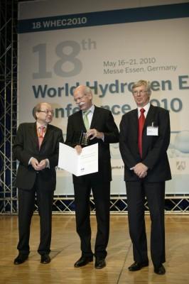 Zetsche: Wasserstoff-Technologie ist marktreif