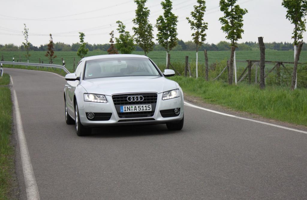 """Zum Audi-Markenzeichen gehören die """"Vier Ringe"""" und der Single Frame, inzwischen aber wohl auch die LED-Tagfahrlicht-Schlange."""