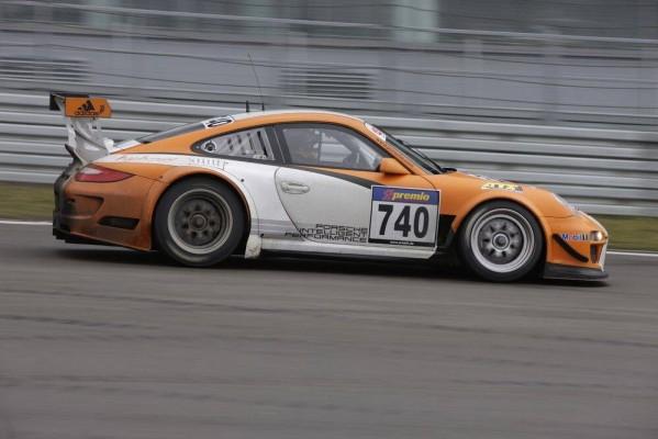 24-Stunden-Rennen Le Mans: Porsche 911 GT3 R Hybrid fährt Demo-Runden