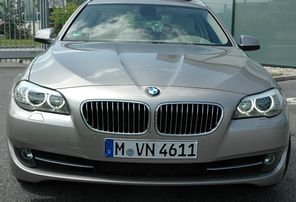 BMW 5er Touring: Frontansicht.