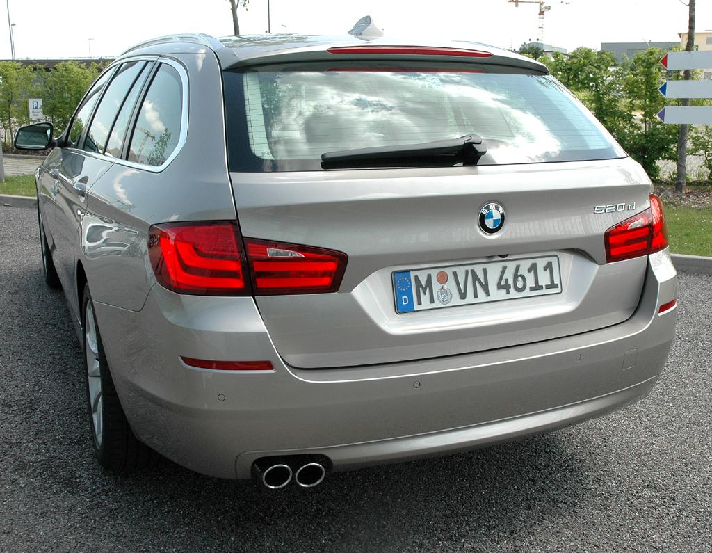 BMW 5er Touring: Heckansicht.