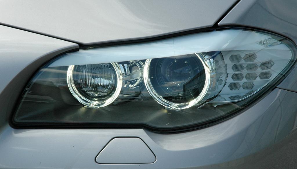 BMW 5er Touring: Leuchteinheit vorn.