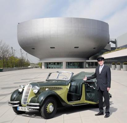 BMW bietet Stadtrundfahrt im Klassiker an