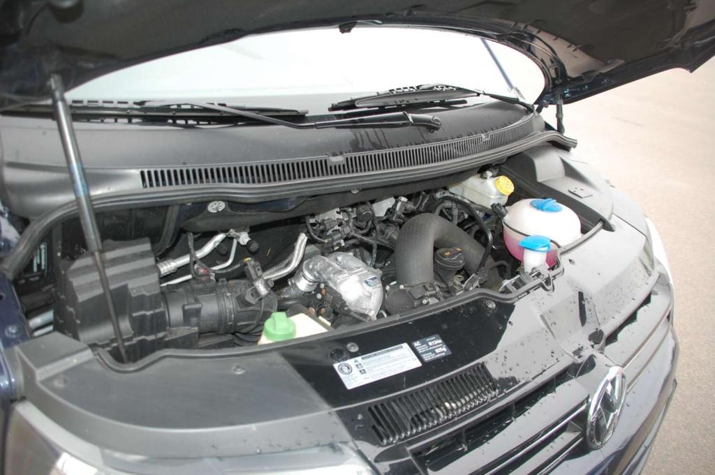 Duell der Großraumvans: VW Multivan Comfortline 2.0 TDI vs. Opel Vivaro Life Cosmo 2.5 CDTI