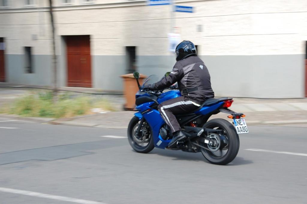 Fahrbericht Yamaha XJ6 Diversion F ABS: Kurvenspaß und Alltagsroutine