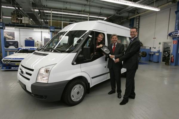 Ford-Chef übergibt sechsmillionsten Transit